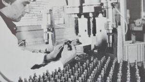 Der Dreifuß die erste von WILD produzierte Baugruppe